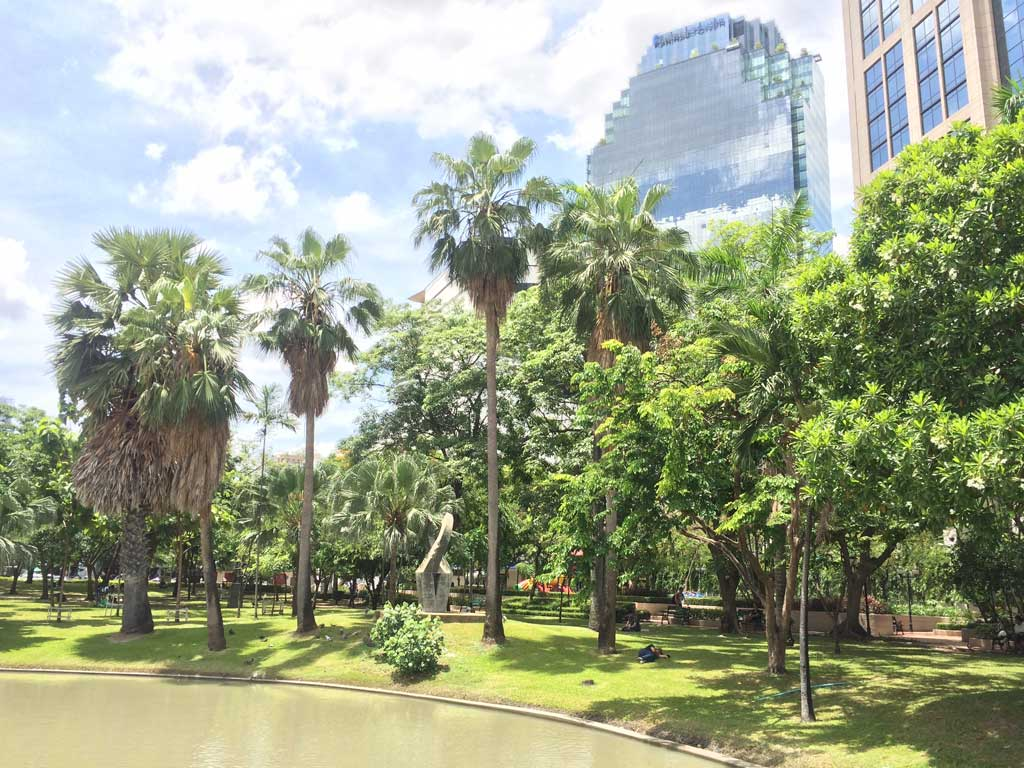 Bangkok lake and green areas near Sukhumvit road. Quiet places in Bangkok