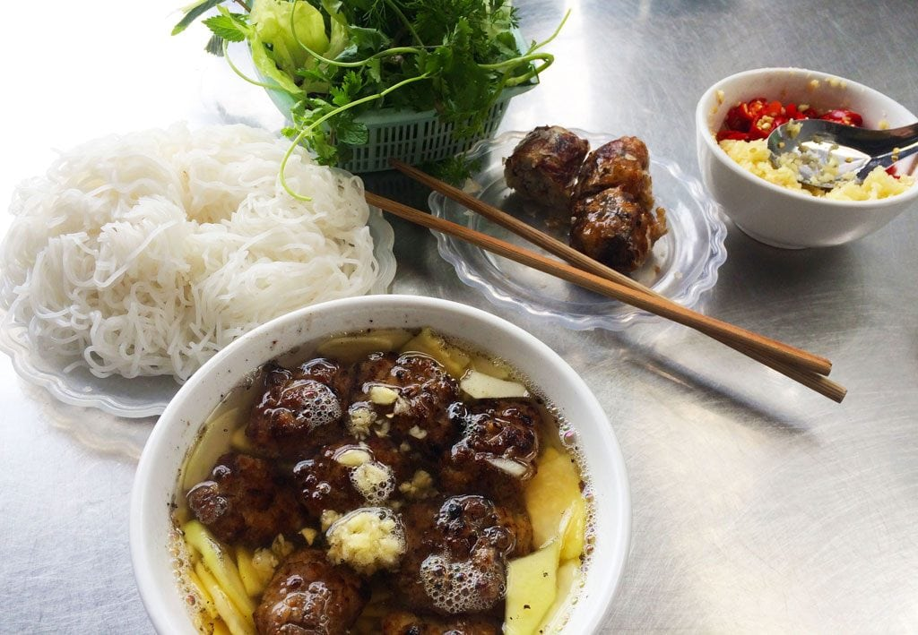 bun cha vietnamese food hanoi vietnam