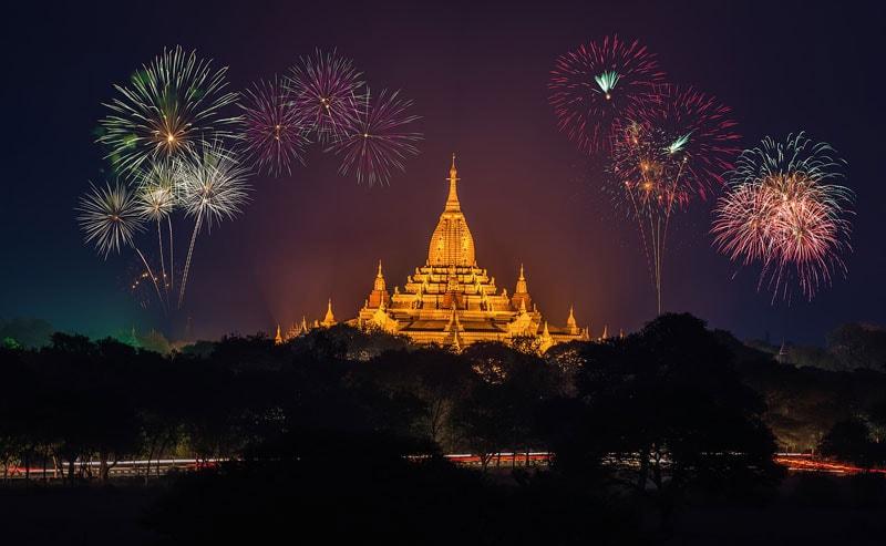 fireworks Shwedagon Pagoda Yangon Myanmar new years eve