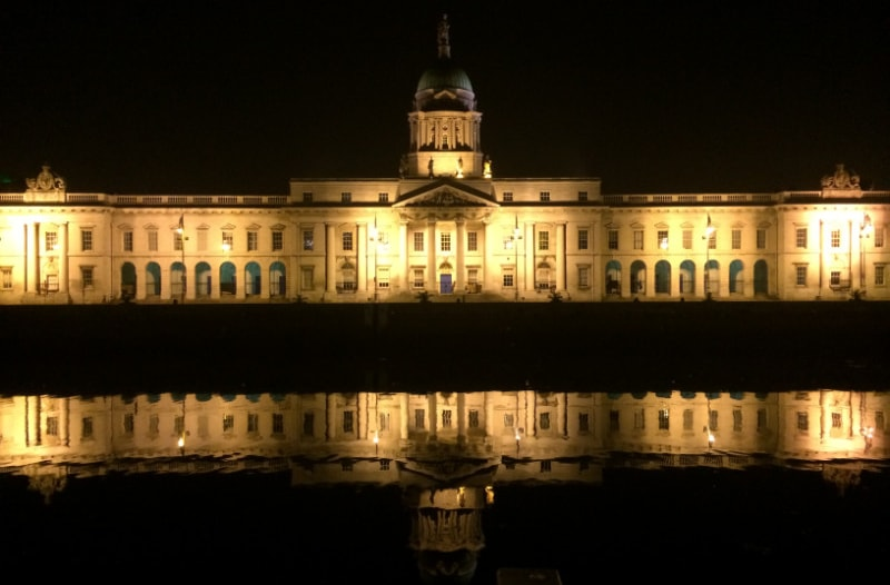 customs house dublin at night