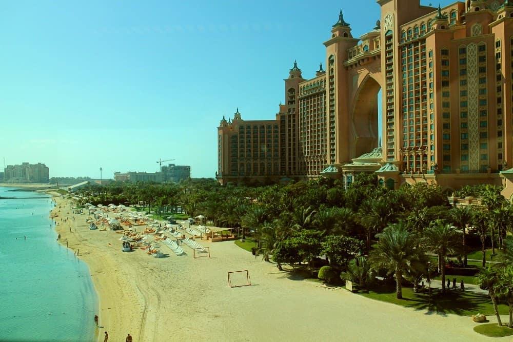Dubai Atlantis tourist hotel