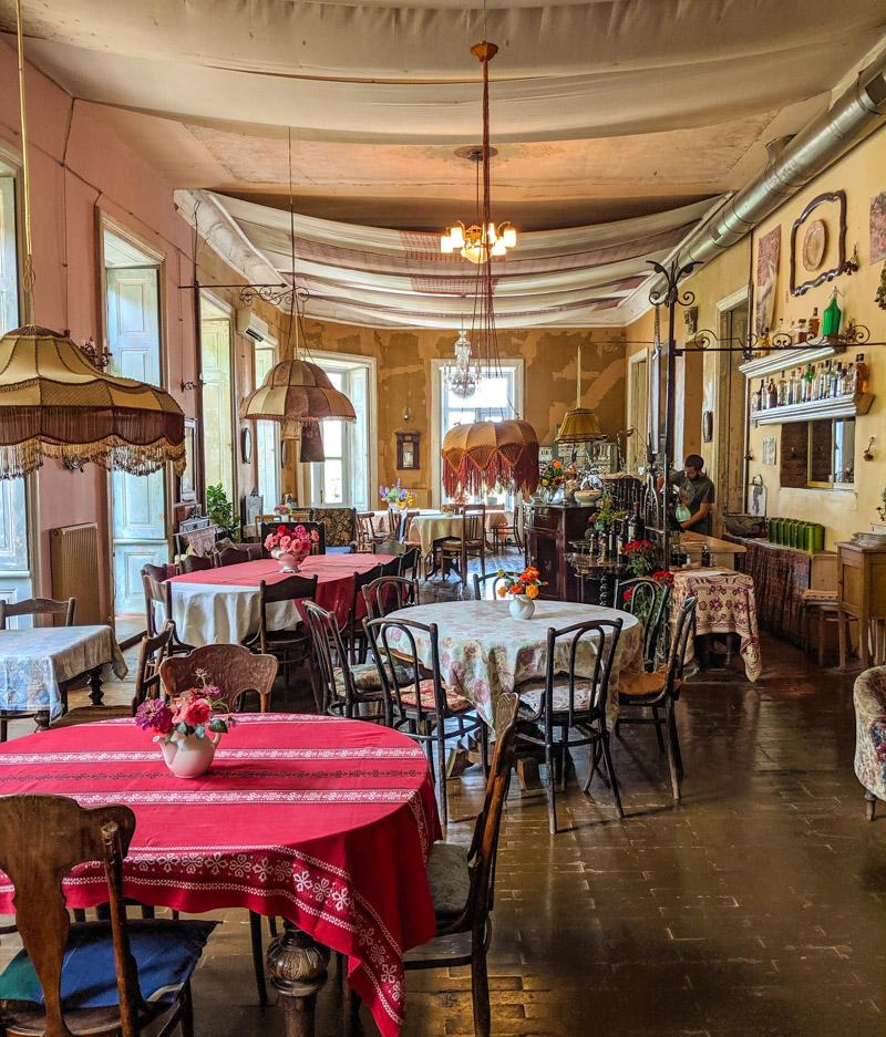 Purpur restaurant cafe